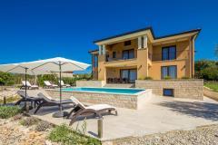 15901 wunderschöne luxus villa mit pool für 12 personen