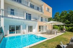 Luxuriös und moderne ferienhaus mit pool und meerblick