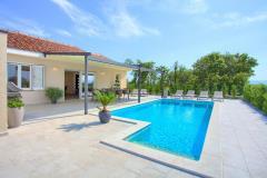 Luxus villa mit privatem pool für 8 personen